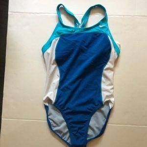 Speedo women one piece bathing suit size 10